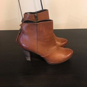 Paul Green Brown Booties